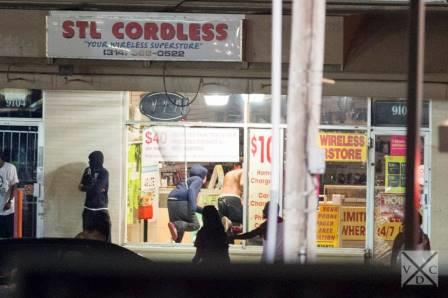 Looters stealing from Ferguson business on 8-15-14